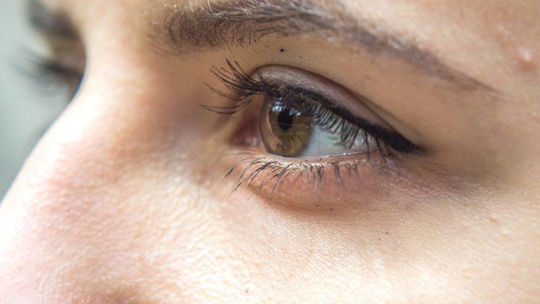 Formation en maquillage permanent des sourcils